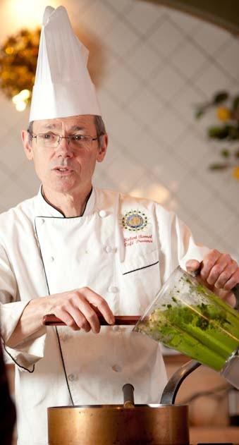 Chef-Robert-teaching